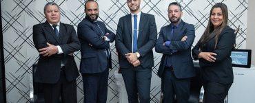 Pieczatki-online.eu - Czy warto skorzystać z usług kancelarii adwokackiej