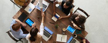 pieczatki-online.eu - Pieczątka dla spółek prawa handlowego – jakie dane powinna zawierać?